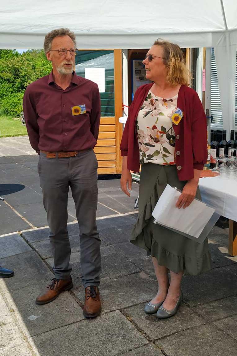 Henk en Hanja bij de opening van Enjoy Food